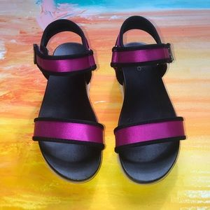 Aldo Robby fuchsia strap Sandals size 6.5